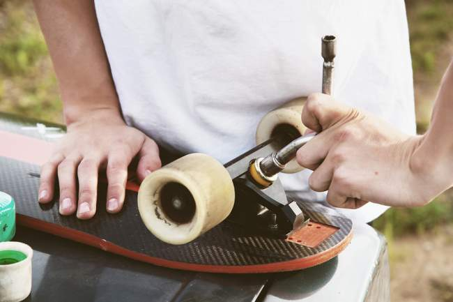putting together your skateboard